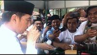 Keseruan Presiden Jokowi Cicipi 'Koling' di Madura