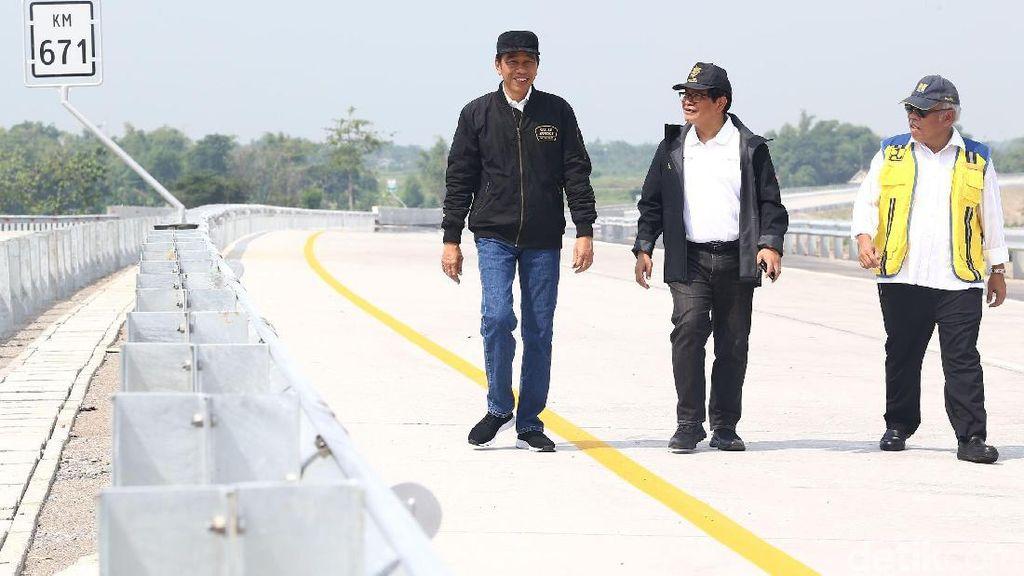 Jokowi Jajal Trans Jawa Pakai Bus Lewati Jembatan Kalikuto