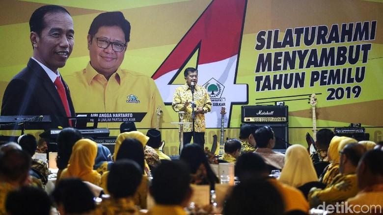 Potret TGB Curi Perhatian di Silaturahmi Partai Golkar
