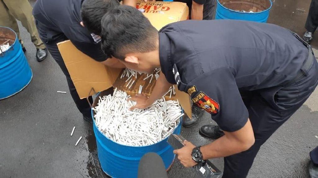 Bea Cukai Musnahkan 319.000 Batang Rokok Ilegal di Purwokerto