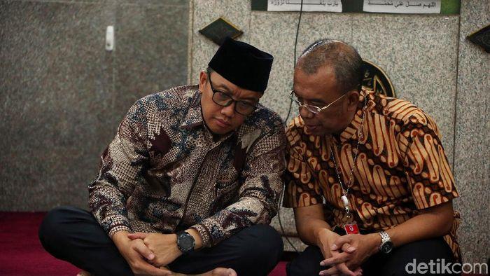 Menpora Imam Nahrawi dan Sesmenpora Gatot S Dewabroto menyambut kasatmata MotoGP 2021 di Indonesia (Rengga Sancaya/detikSport)