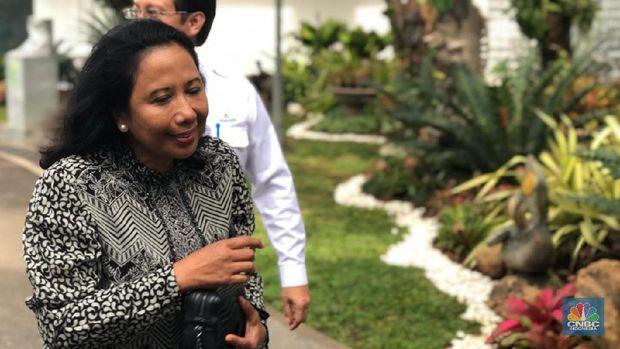 Lagi, Menteri Rini Tanggapi BUMN yang Disebut Bangkrut