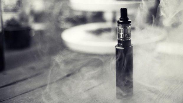 Minimnya standar keamanan juga membuat para ahli tidak menyarankan rokok elektrik.