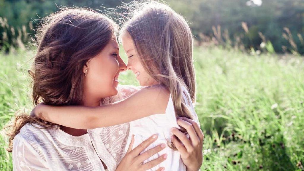 15 Ucapan Selamat Hari Ibu buat Update Status WhatsApp dan Facebook