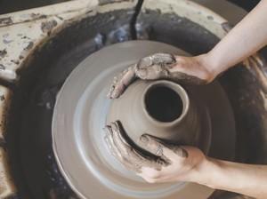 Tentang Kerajinan Bahan Lunak: Pengertian, Jenis, dan Contohnya