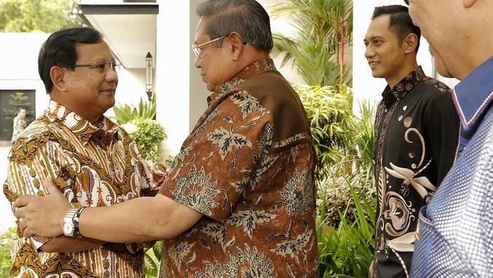 Foto: Prabowo Subianto-SBY saat bertemu. (Dok Istimewa).