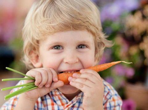 6 Trik Mengajari Si Kecil Suka Makan Sayur Tanpa 'Drama'