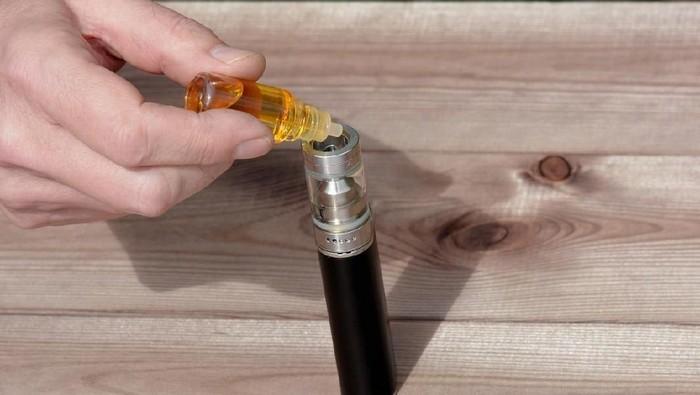 Ilustrasi perasa rokok elektrik atau vape. Foto: iStock