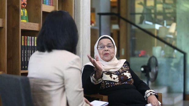 Aliyah terus mendukung Anies dan berharap Gubernur DKI itu terus menjaga amanah yang tengah dipercayakan