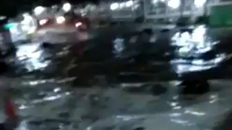 BMKG Sebut Terjangan Air Laut di Anyer Gabungan Gelombang Tinggi-Tsunami