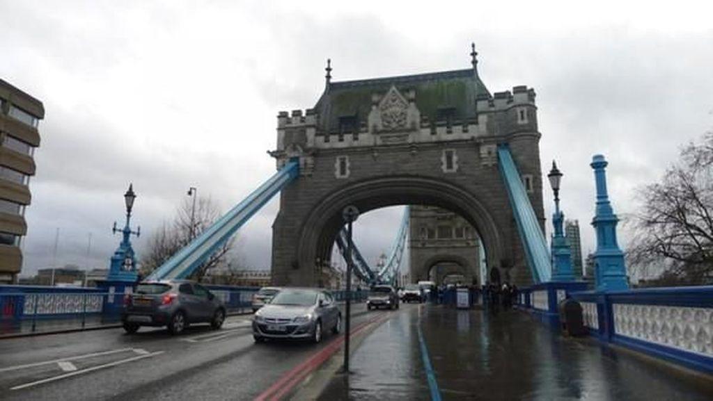 Masuk ke Bagian-bagian Tower Bridge, Ikonnya Kota London