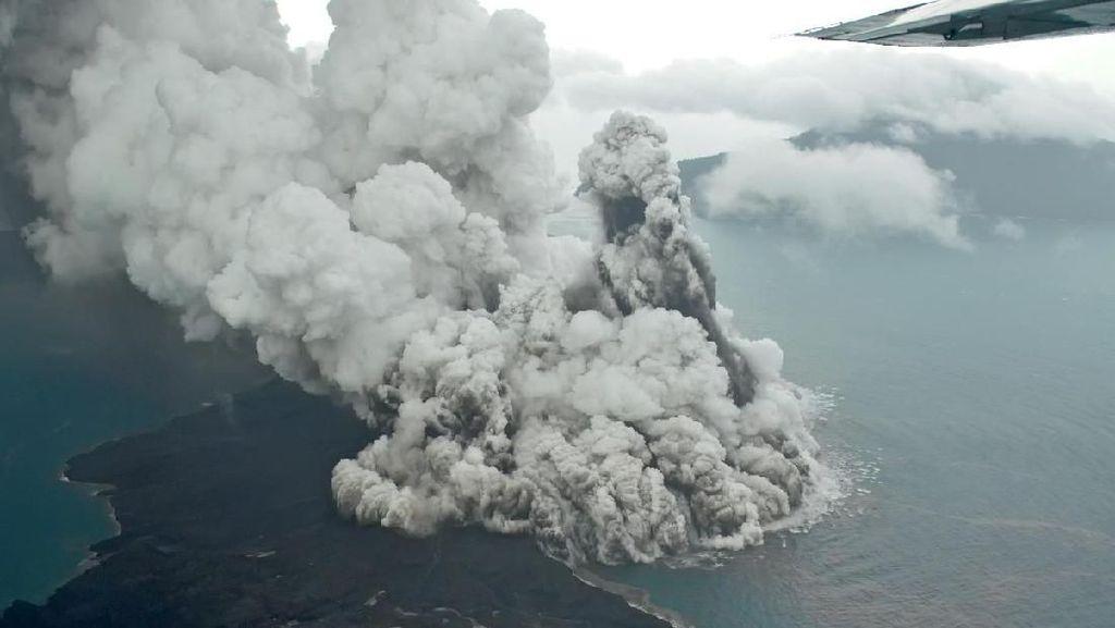 Gunung Anak Krakatau Siaga, Kemenhub: Penerbangan Masih Normal