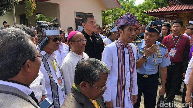 Jokowi di Tana Toraja /