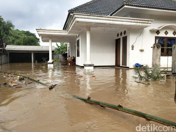 bencana alam di jember saat musim hujan