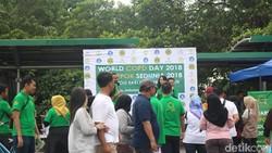 Dalam rangka hari Penyakit Paru Obstruktif Kronik (PPOK) sedunia tahun 2018, tes paru-paru gratis digelar di Car Free Day Jakarta. Minat warga cukup besar.