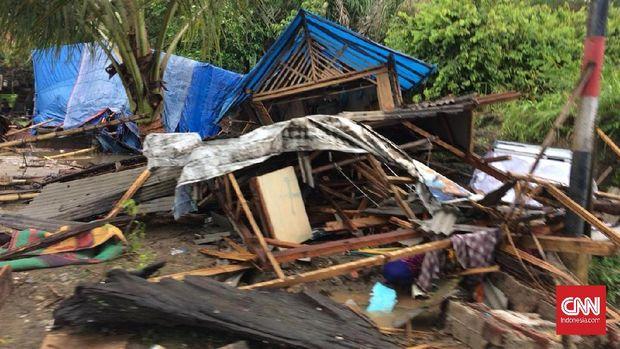 Tsunami di Banten terjadi pada Sabtu (22/12) malam.