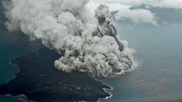 Anak Krakatau yang Terus Membangun Dirinya