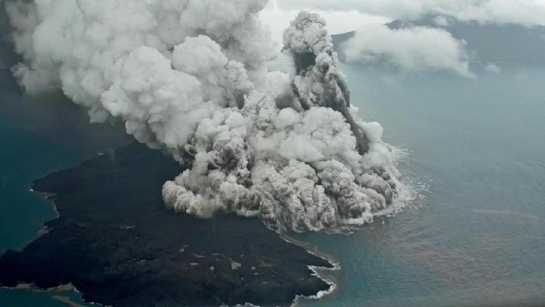 Selidiki Tsunami, Para Ahli akan Survei Gunung Anak Krakatau