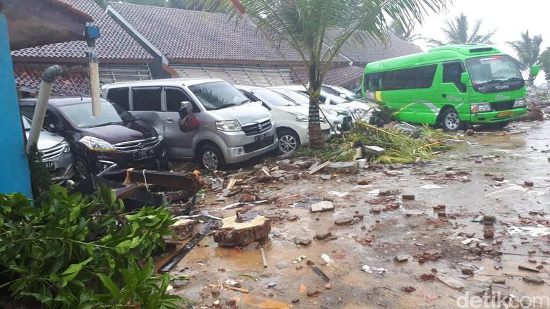 Jalan Pantai Carita arah ke Tanjung Lesung. Foto: Faiq Hidayat/detikcom