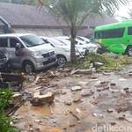 Segera Keluar dari Mobil saat Terjebak Genangan Air Tsunami
