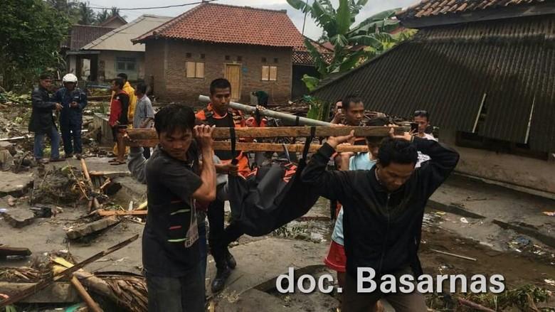 Tim Kemendagri ke Banten-Lampung, Koordinasi Evakuasi Korban Tsunami