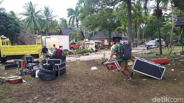 Kru Ungkap Detik-detik Mencekam Tsunami Menerjang Panggung 'Seventeen'