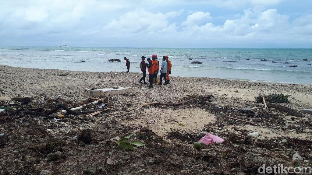 Tim Crisis Center Kemenpar Bergerak ke Pandeglang Layani Wisatawan