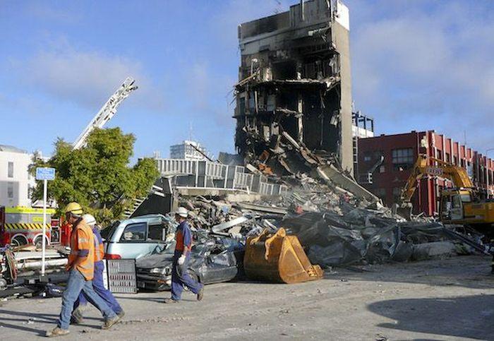 Gempa bumi melanda New Zealand pada Februari 2011 dengan kekuatan 6.3 magnitudo. Total kerugian di wilayah Christchurch mencapai US$ 40 miliar atau setara Rp 580 triliun. (kurs: Rp 14.500). Istimewa/Business Pundit.
