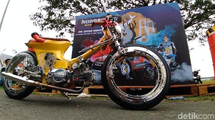 Honda Supra Fit Bondol Mejeng di Surabaya