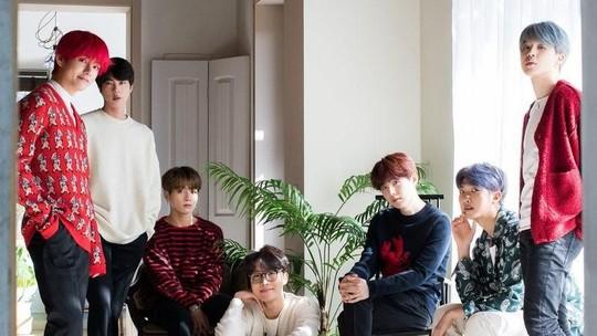 Lihat Foto BTS Jelang Natal Yuk!