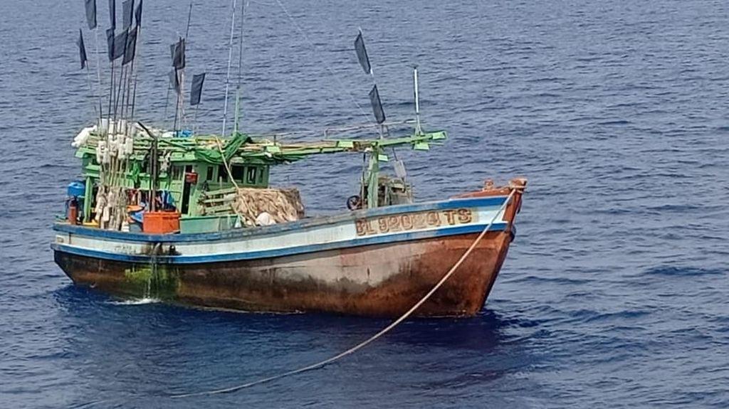 Dua Kapal Maling Ikan Asal Vietnam Ditangkap di Laut Natuna