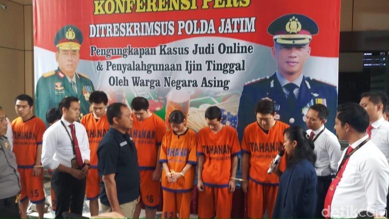 Datang ke Indonesia Gelar Judi Online, 7 WN China Dibekuk