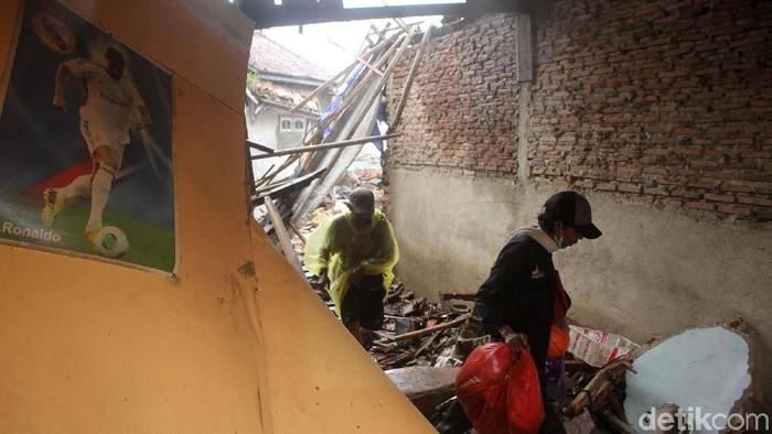 Kondisi terkini daerah terdampak tsunami di Kecamatan Sumur, Banten. Foto: Rifkianto Nugroho