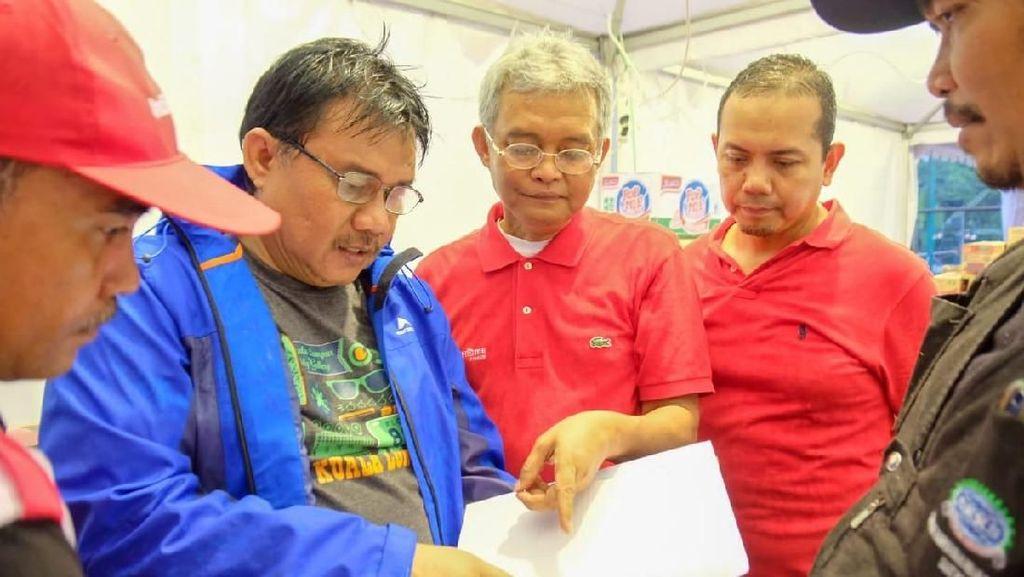 Telkom Salurkan Bantuan di Lokasi Bencana Tsunami Selat Sunda
