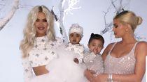 Natal, Putri Khloe Kardashian Pakai Turban Kristal Karya Desainer Indonesia