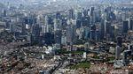 Menikmati Keindahan Kota Jakarta dari Udara