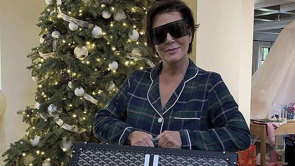 Mewah, Kris Jenner Dapat Kado Natal Koper Rp 200 Juta