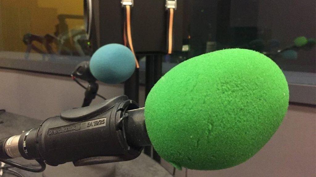 Dituduh Misoginis, Penyiar Radio Dihukum Undang Feminis Selama 5 Bulan