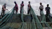 Nelayan Muara Angke Takut Melaut Pasca Tsunami Selat Sunda
