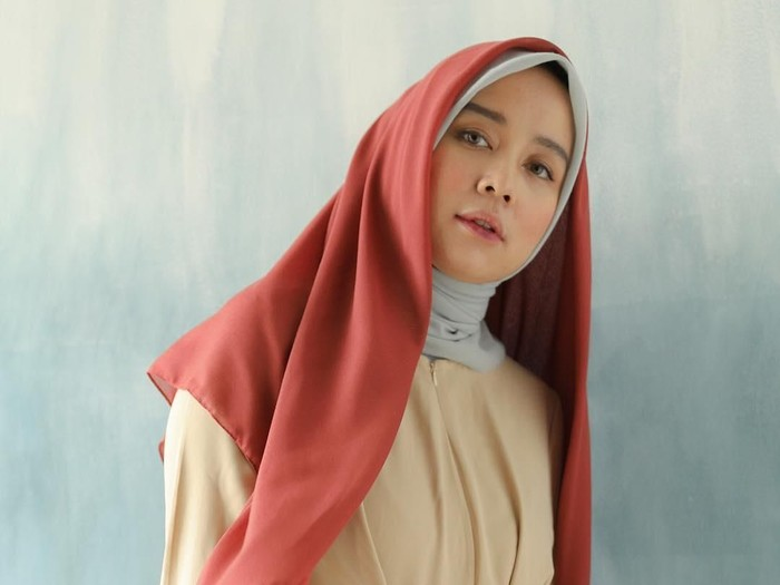 Hijabers asal Indonesia rilis scarf ramah lingkungan. Foto: Instagram/parte.co