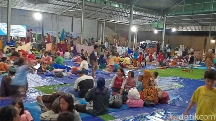 Posko pengungsian korban tsunami di Pandeglang, Banten. (Foto: Samsudhuha Wildansyah/detikcom)