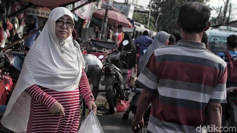 Siap-siap! Kantong Plastik Akan Dilarang Beredar di Jakarta