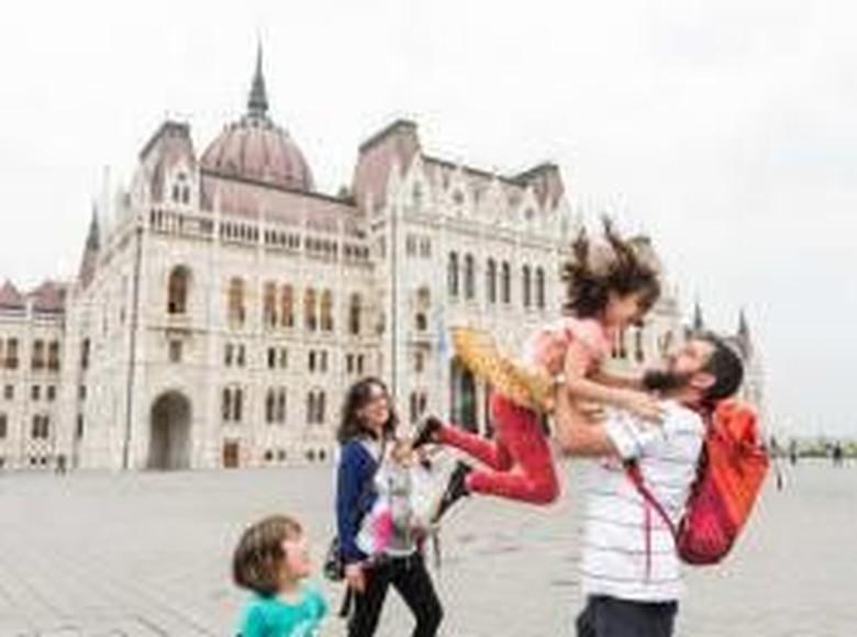 Negara-negara Eropa sangat mendominasi dengan di top 10 soal kecepatan internet paling cepat di dunia, salah satunya Hungaria dengan koneksi 4G-nya rata-rata 32,7 Mbps. Foto: CNN