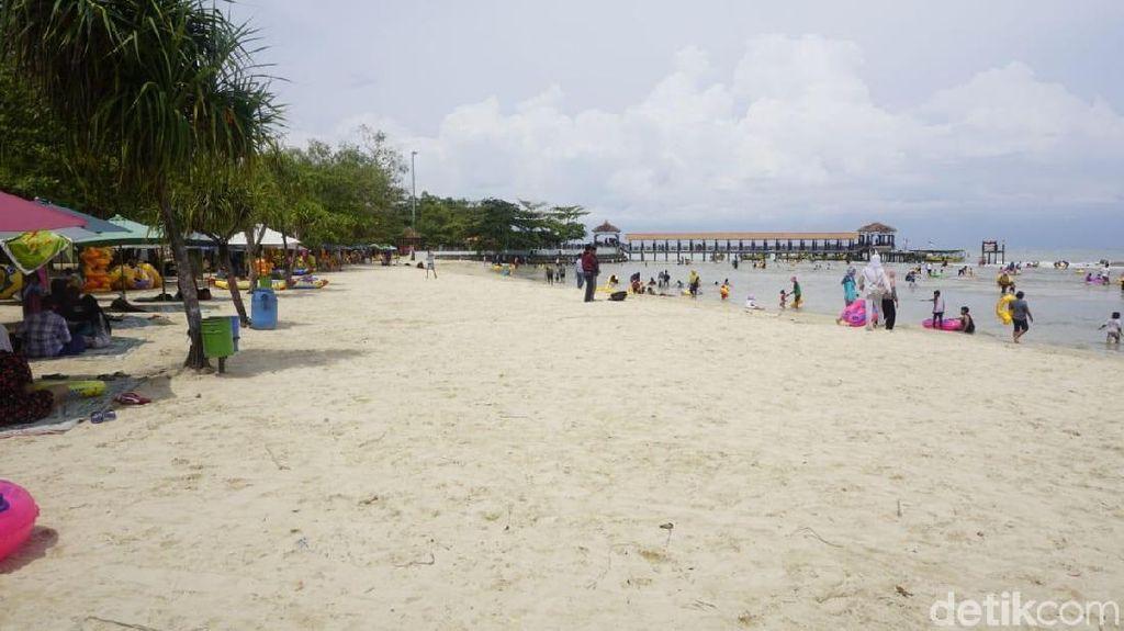 Tsunami Selat Sunda Tak Pengaruhi Wisata Pantai di Jepara