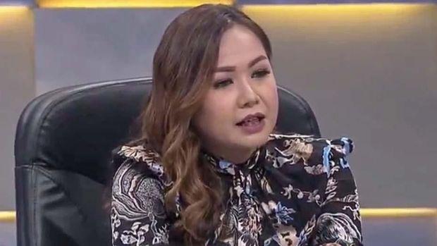 Lasmi Indriyani memenuhi panggilan Satgas Anti Mafia Bola namun mengabaikan undangan PSSI.