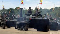 Gahar! Tank-tank Tempur Marinir Pamer Moncong