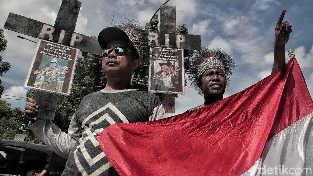 Aksi Pekerja Freeport Tuntut Jaminan Kesehatan