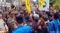 Mahasiswa Sukabumi Kritisi Program Kece dan Super