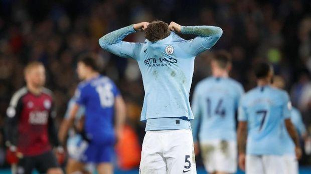 Manchester City dianggap Louis van Gaal kurang solid saat bertahan.
