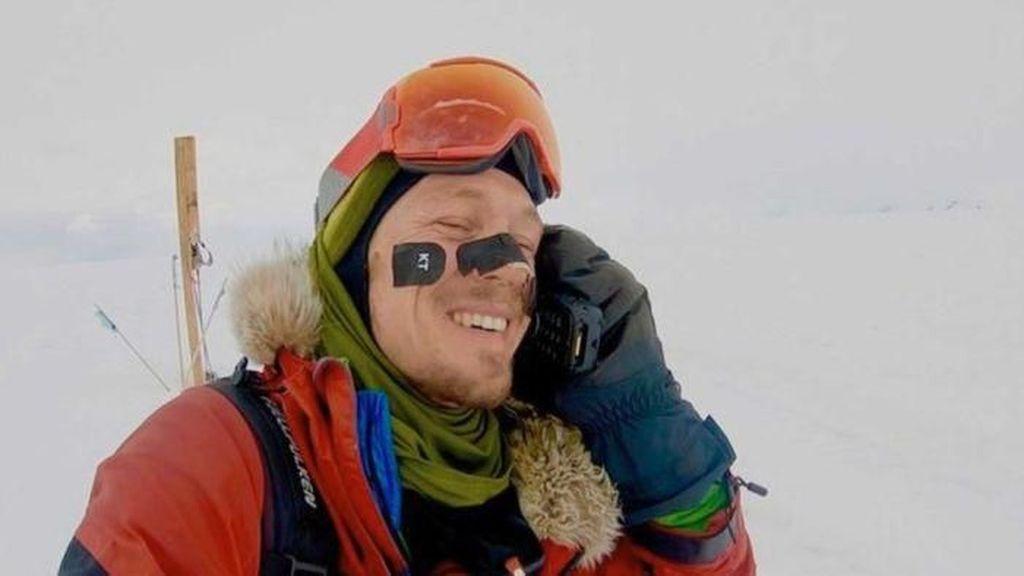 Pria Amerika Berhasil Kelilingi Antartika Seorang Diri dalam 54 Hari